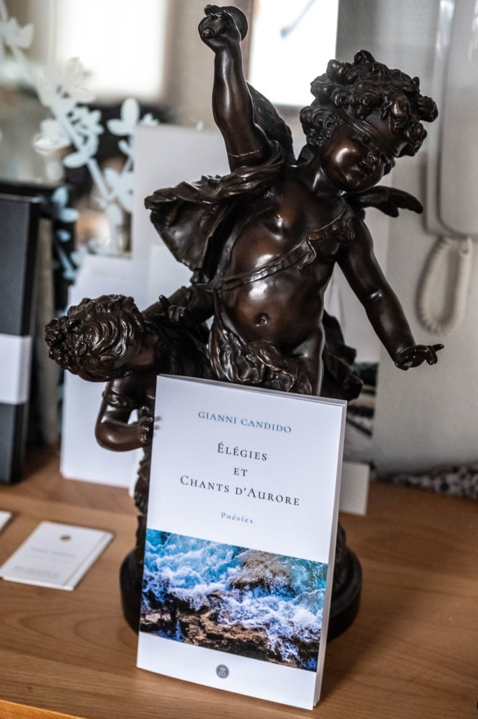 """""""Élégies et Chants d'Aurore"""": the new poetry book of the artist and poet Gianni Candido"""